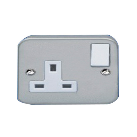 13A-1 GANG SWITCHED METAL CLADE SOCKET